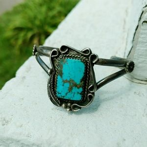 Turquoise silver cuff offset stone vintage